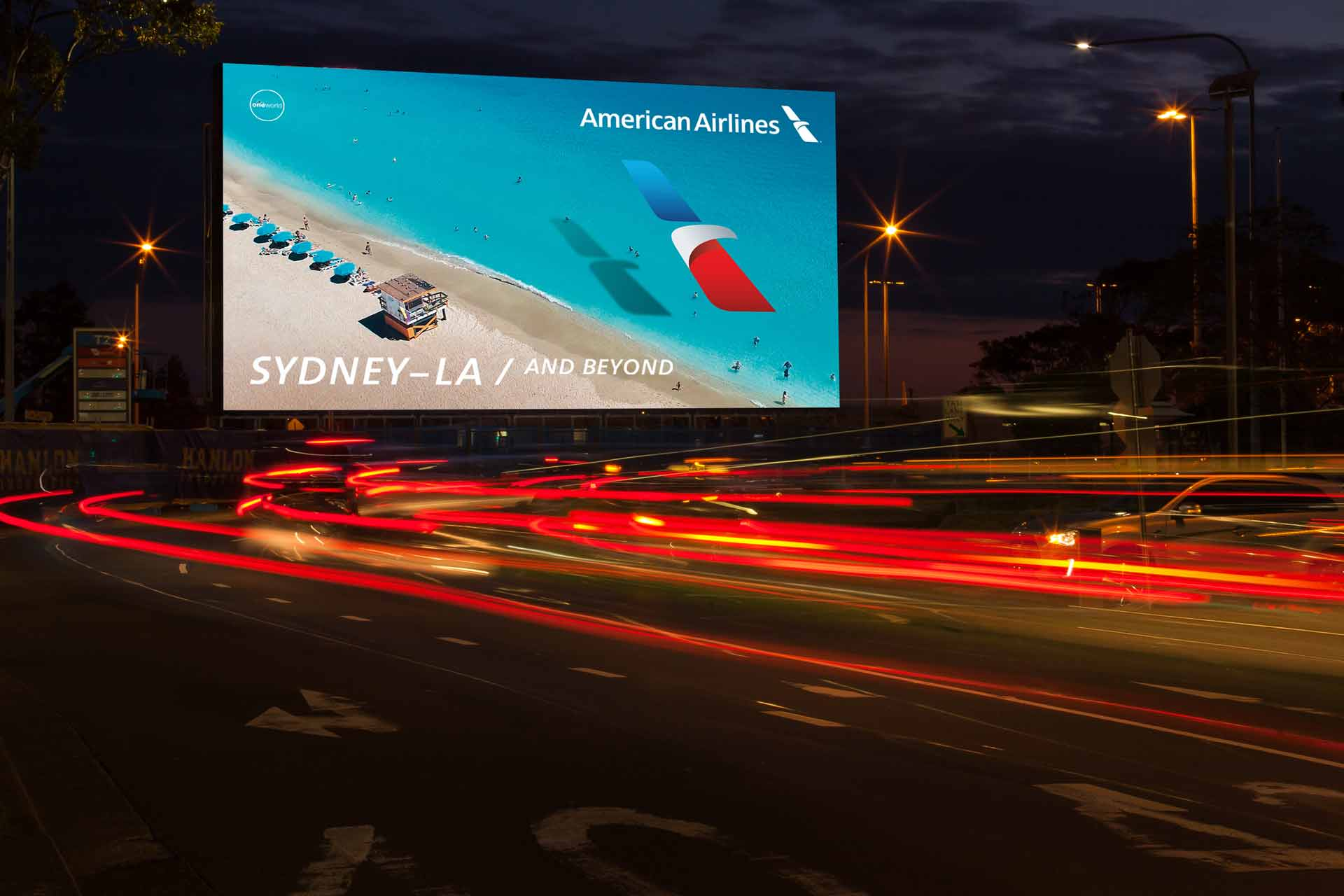 Iconic fox American Airlines-Digital-signage-3